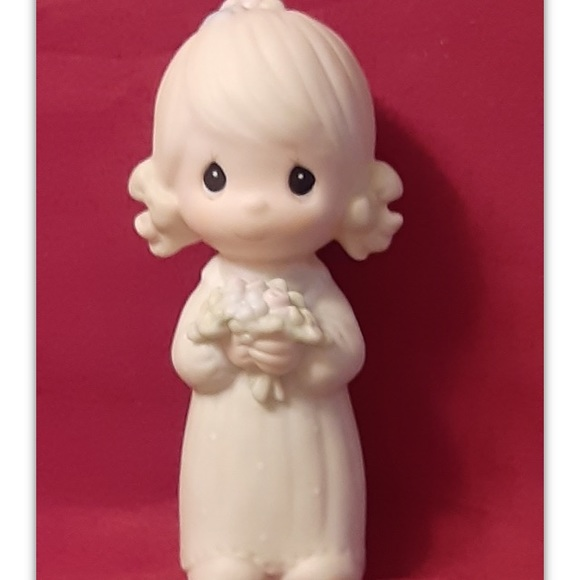 PRECIOUS MOMENTS FIGURINE Of Little Girl